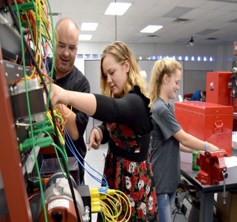 Over 600 Local Students Participate in Manufacturing Day at NPC